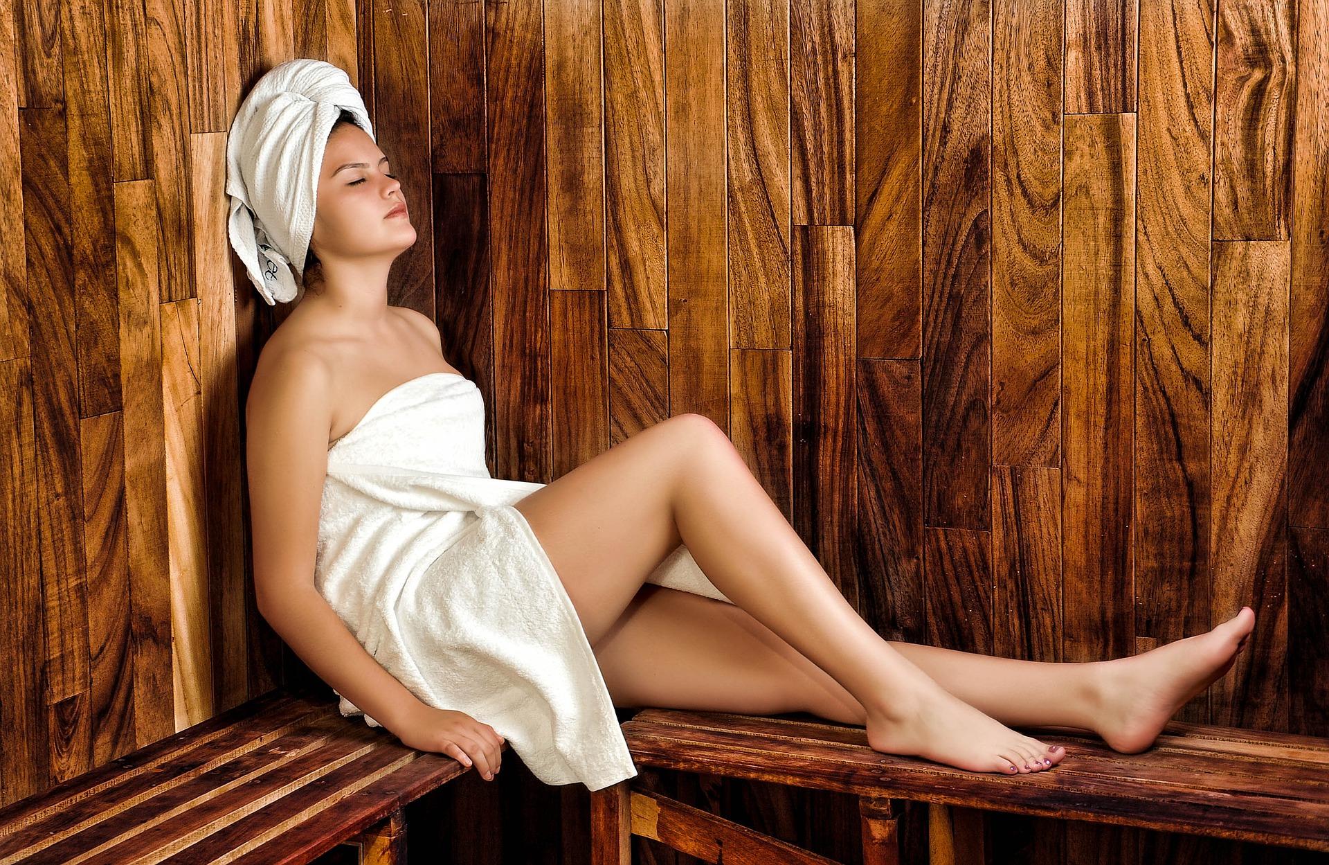 100 °C v sauně, -160 °C v kryokomoře, jak to můžeme přežít?!8 min čtení